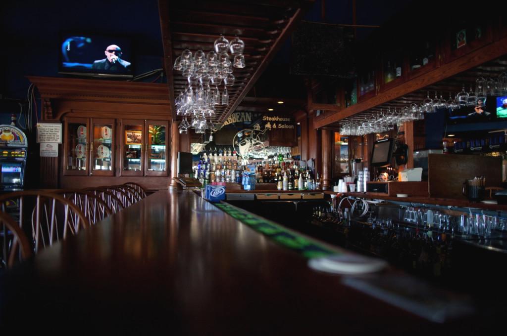 Saloon bar wide